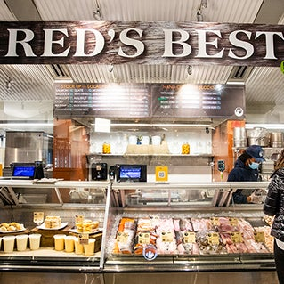 At Red's Best, technology and tradition go together. See how QR Codes are connecting people to freshly caught seafood.